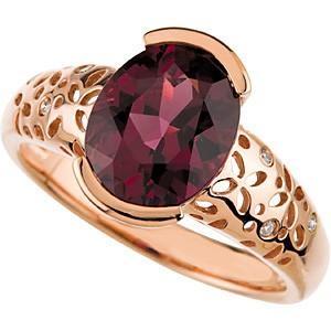 Výrazný koktejlový prsten pro zvláštní příležitosti.