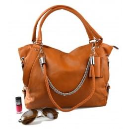 cbb8689941 Levně a stylově  Našli jsme trendové kabelky kolem tisícovky ...