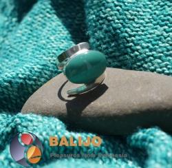 Prsten z mincovního stříbra 925 g, balijského stříbra a přírodního kamene. Cena: 579 Kč